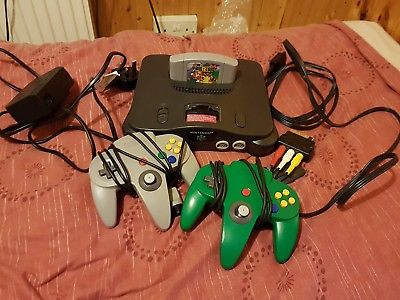 Nintendo 64 Grey Console (PAL) 2 Official controllers + Mario 64